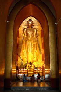 Buddha im Ananda Tempel